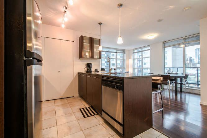 """Main Photo: 1002 1155 SEYMOUR Street in Vancouver: Downtown VW Condo for sale in """"BRAVA"""" (Vancouver West)  : MLS®# R2030042"""
