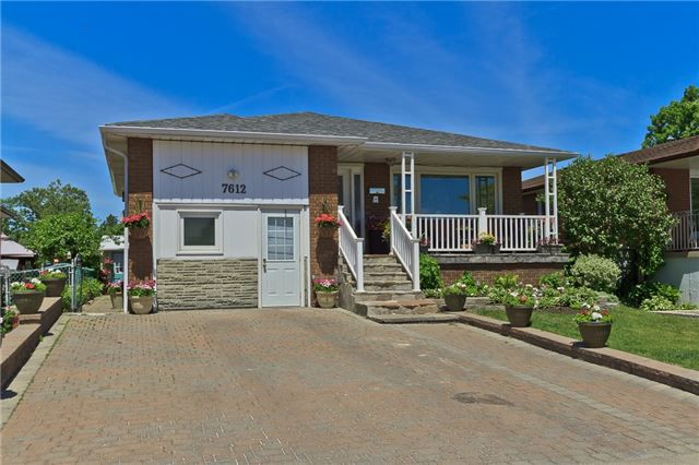 Main Photo: 7612 Middleshire Drive in Mississauga: Malton House (Backsplit 5) for sale : MLS®# W3512599