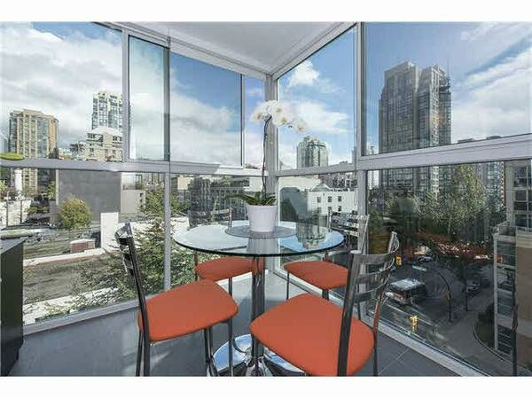 "Main Photo: 602 1323 HOMER Street in Vancouver: Yaletown Condo for sale in ""PACIFIC POINT"" (Vancouver West)  : MLS®# R2119635"