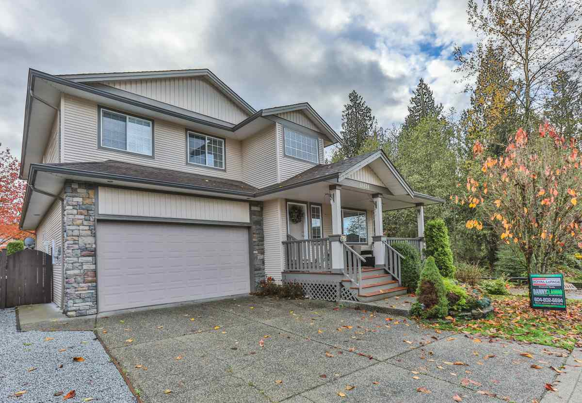 "Main Photo: 11424 CREEKSIDE Street in Maple Ridge: Cottonwood MR House for sale in ""GILKER HILL ESTATES"" : MLS®# R2121408"