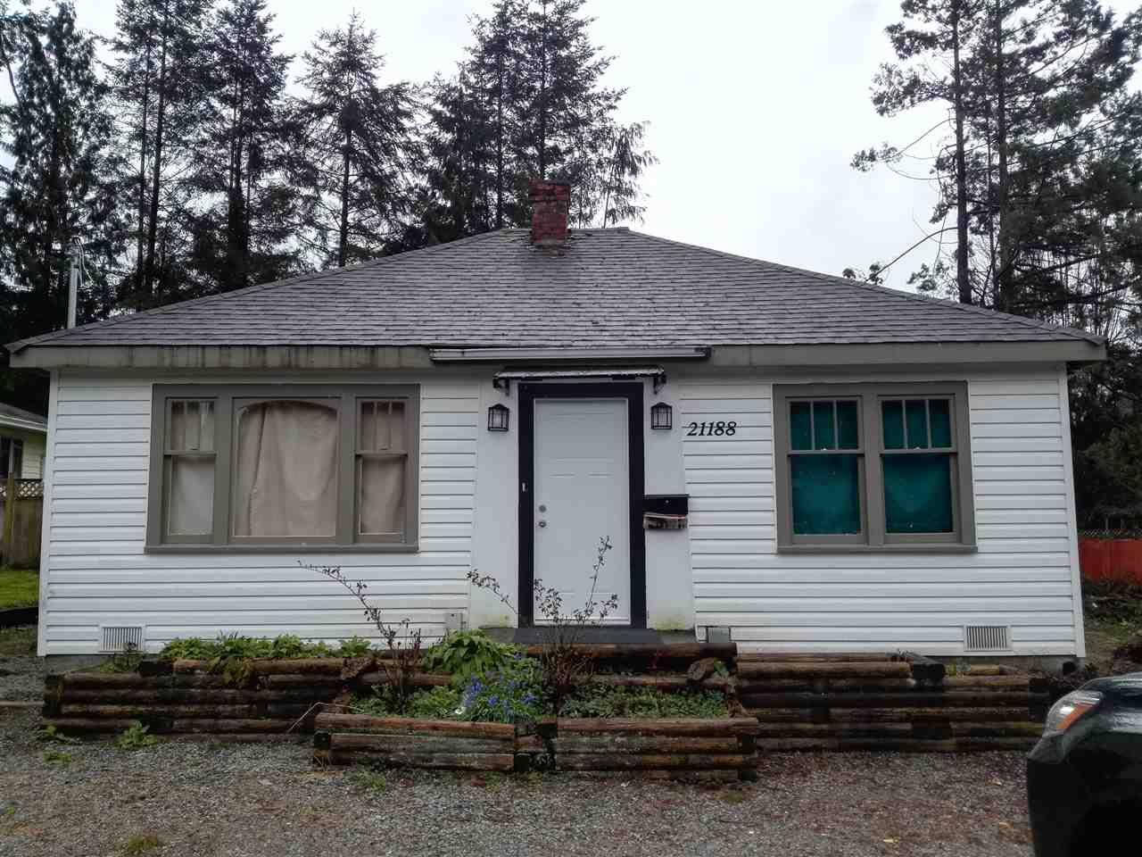 Main Photo: 21188 DEWDNEY TRUNK Road in Maple Ridge: Southwest Maple Ridge House for sale : MLS®# R2153839