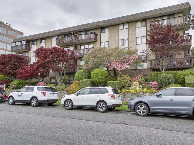 "Main Photo: 308 120 E 4TH Street in North Vancouver: Lower Lonsdale Condo for sale in ""Excelsior Place"" : MLS®# R2163873"