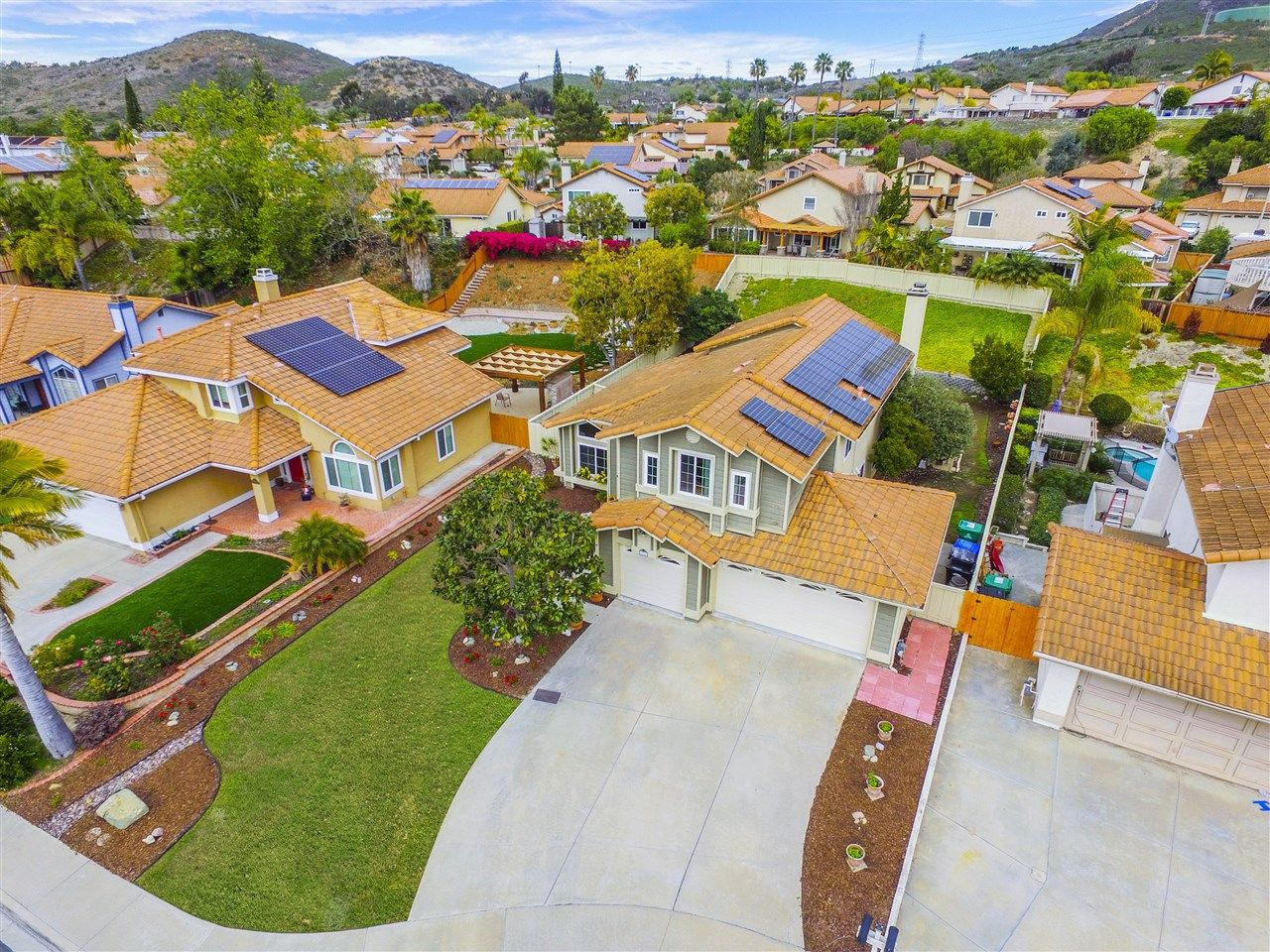 Main Photo: RANCHO PENASQUITOS House for sale : 5 bedrooms : 8778 Elford in San Diego