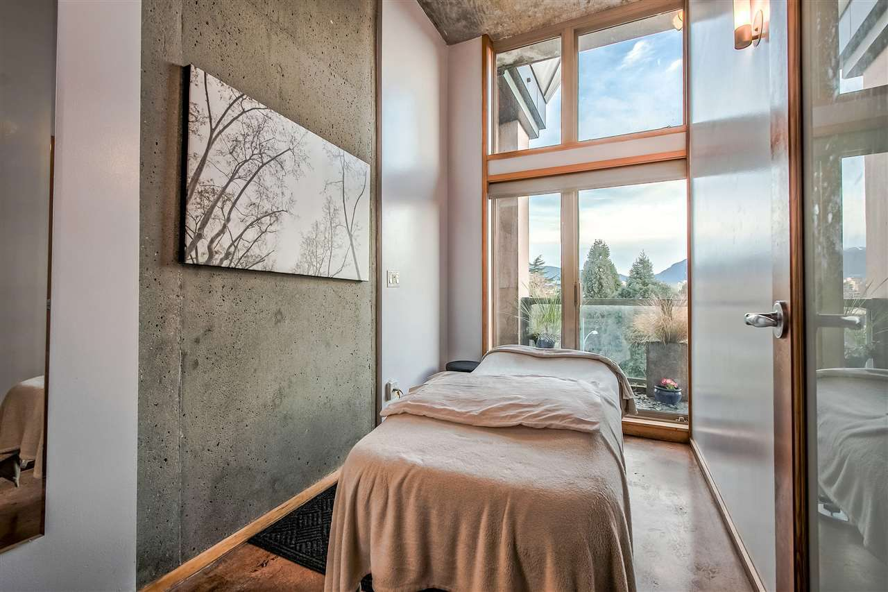 """Photo 7: Photos: 303 1529 W 6TH Avenue in Vancouver: False Creek Condo for sale in """"SOUTH GRANVILLE LOFTS"""" (Vancouver West)  : MLS®# R2349958"""