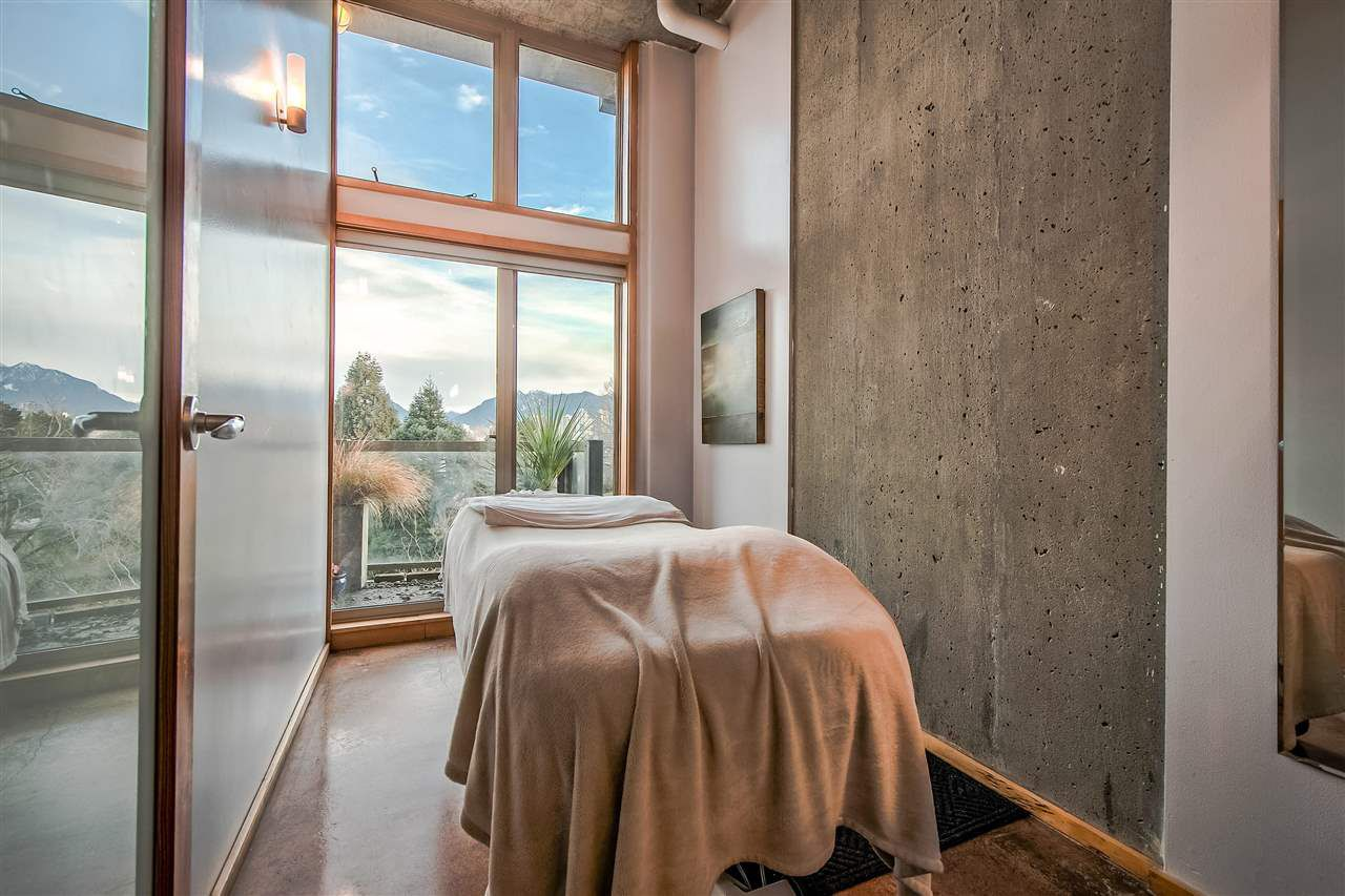 """Photo 9: Photos: 303 1529 W 6TH Avenue in Vancouver: False Creek Condo for sale in """"SOUTH GRANVILLE LOFTS"""" (Vancouver West)  : MLS®# R2349958"""