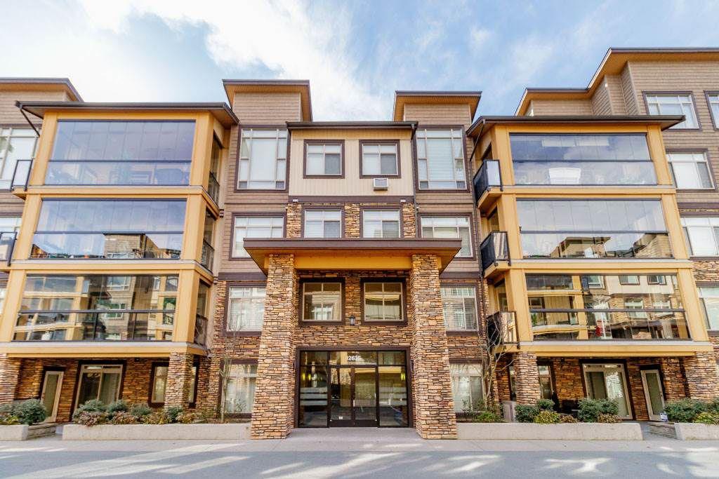 """Main Photo: 107 12635 190A Street in Pitt Meadows: Mid Meadows Condo for sale in """"CEDAR DOWNS"""" : MLS®# R2353992"""