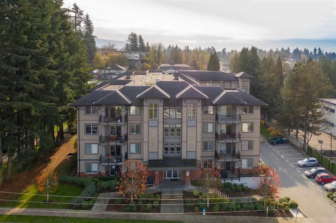 "Main Photo: 111 33898 PINE Street in Abbotsford: Central Abbotsford Condo for sale in ""Gallantree"" : MLS®# R2357788"