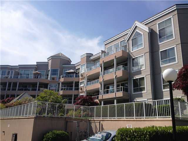 """Main Photo: 301 11605 227TH Street in Maple Ridge: East Central Condo for sale in """"HILLCREST"""" : MLS®# V1062529"""
