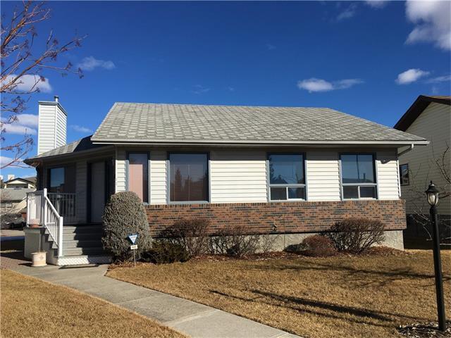 Main Photo: 12 WEST COPITHORNE Place: Cochrane House for sale : MLS®# C4049219