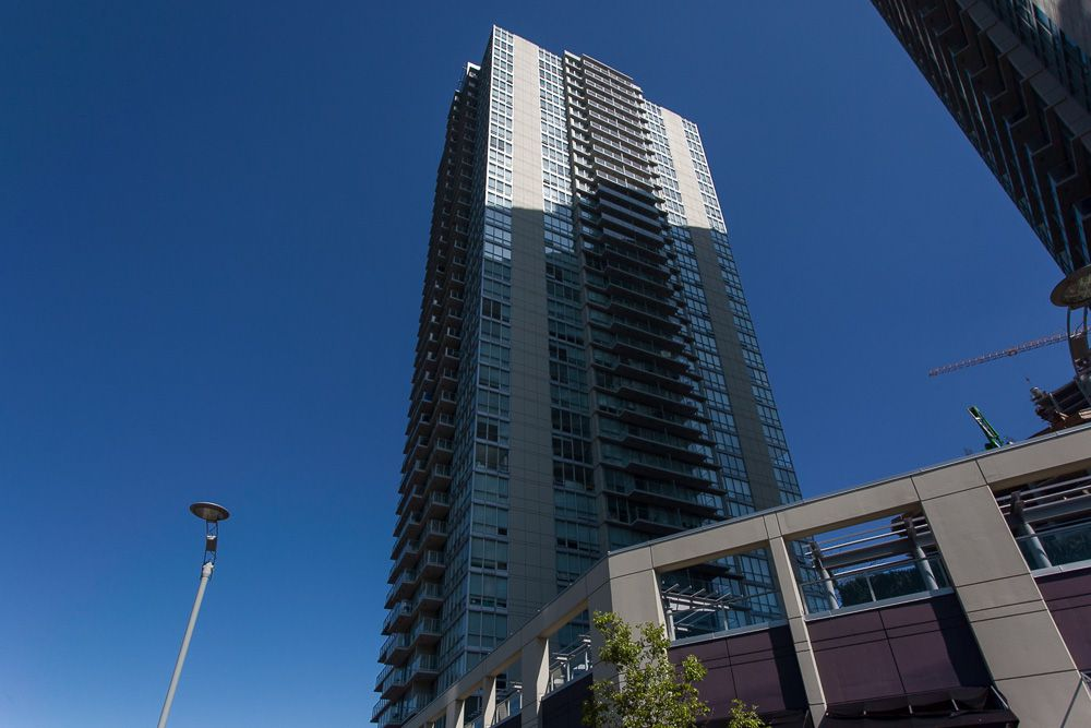"""Main Photo: 2806 13688 100TH Avenue in Surrey: Whalley Condo for sale in """"Park Place One"""" (North Surrey)  : MLS®# R2054021"""