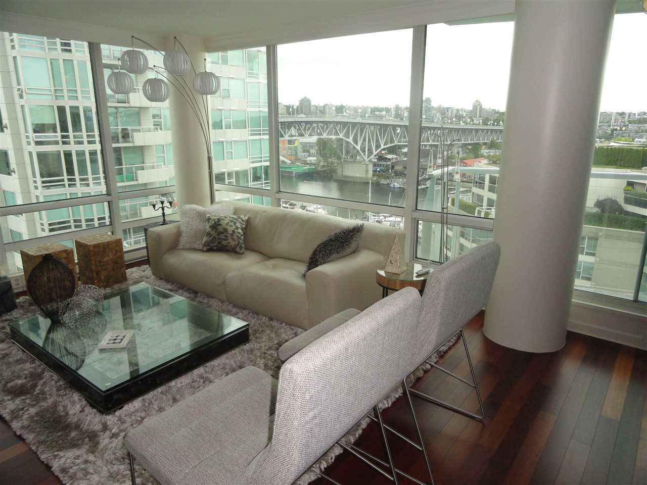 """Main Photo: 1306 1500 HORNBY Street in Vancouver: Yaletown Condo for sale in """"888 BEACH AVENUE"""" (Vancouver West)  : MLS®# R2090203"""