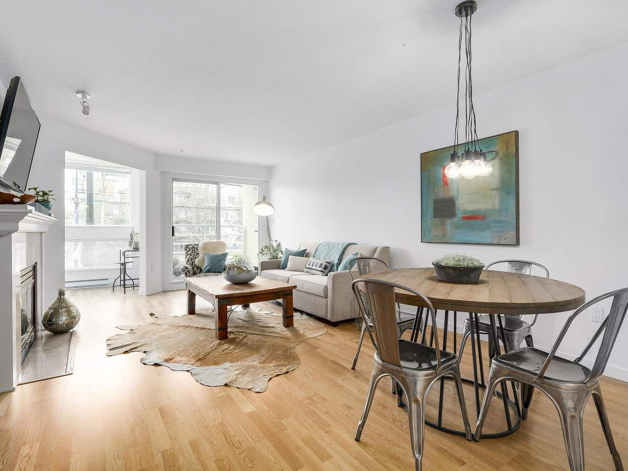 """Main Photo: 211 2105 W 42ND Avenue in Vancouver: Kerrisdale Condo for sale in """"THE BROWNSTONE"""" (Vancouver West)  : MLS®# R2151443"""