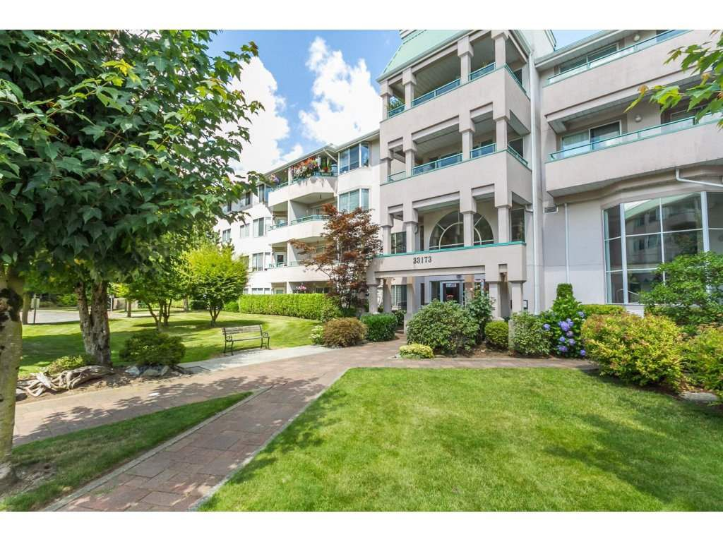 Main Photo: 435 33173 OLD YALE ROAD in Abbotsford: Central Abbotsford Condo for sale : MLS®# R2158027