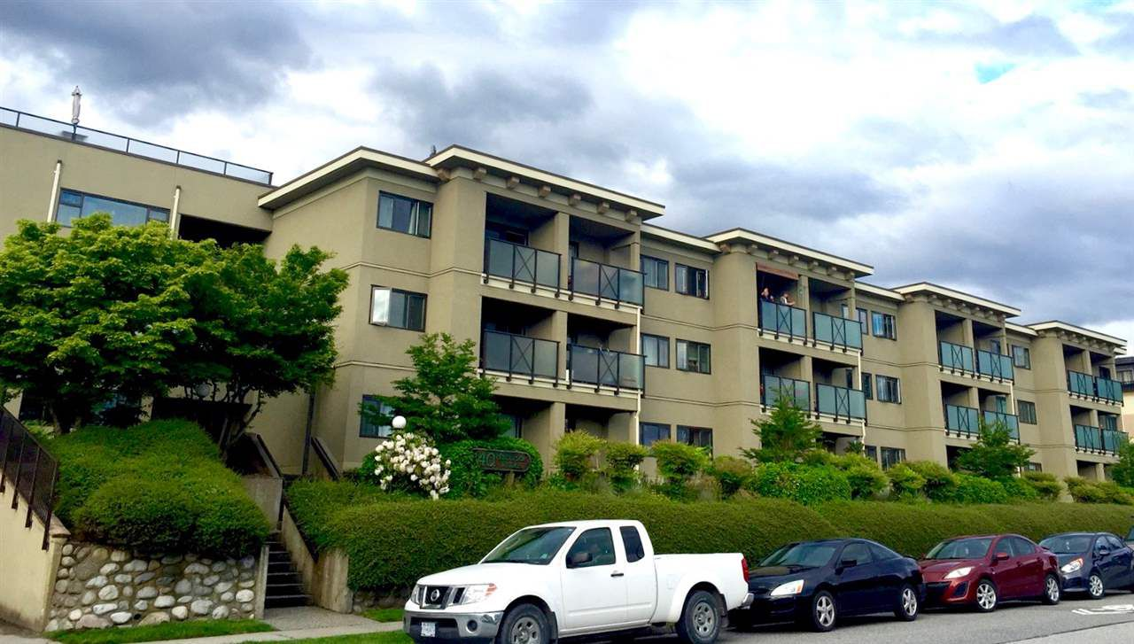 """Main Photo: 118 140 E 4TH Street in North Vancouver: Lower Lonsdale Condo for sale in """"Harbourside Terrace"""" : MLS®# R2173193"""