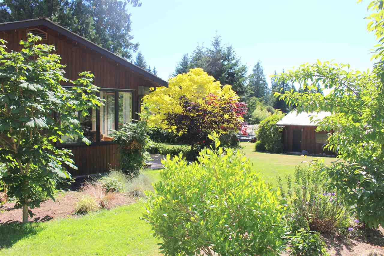 "Photo 15: Photos: 8175 WESTWOOD Road in Halfmoon Bay: Halfmn Bay Secret Cv Redroofs House for sale in ""WELCOME WOODS"" (Sunshine Coast)  : MLS®# R2180391"