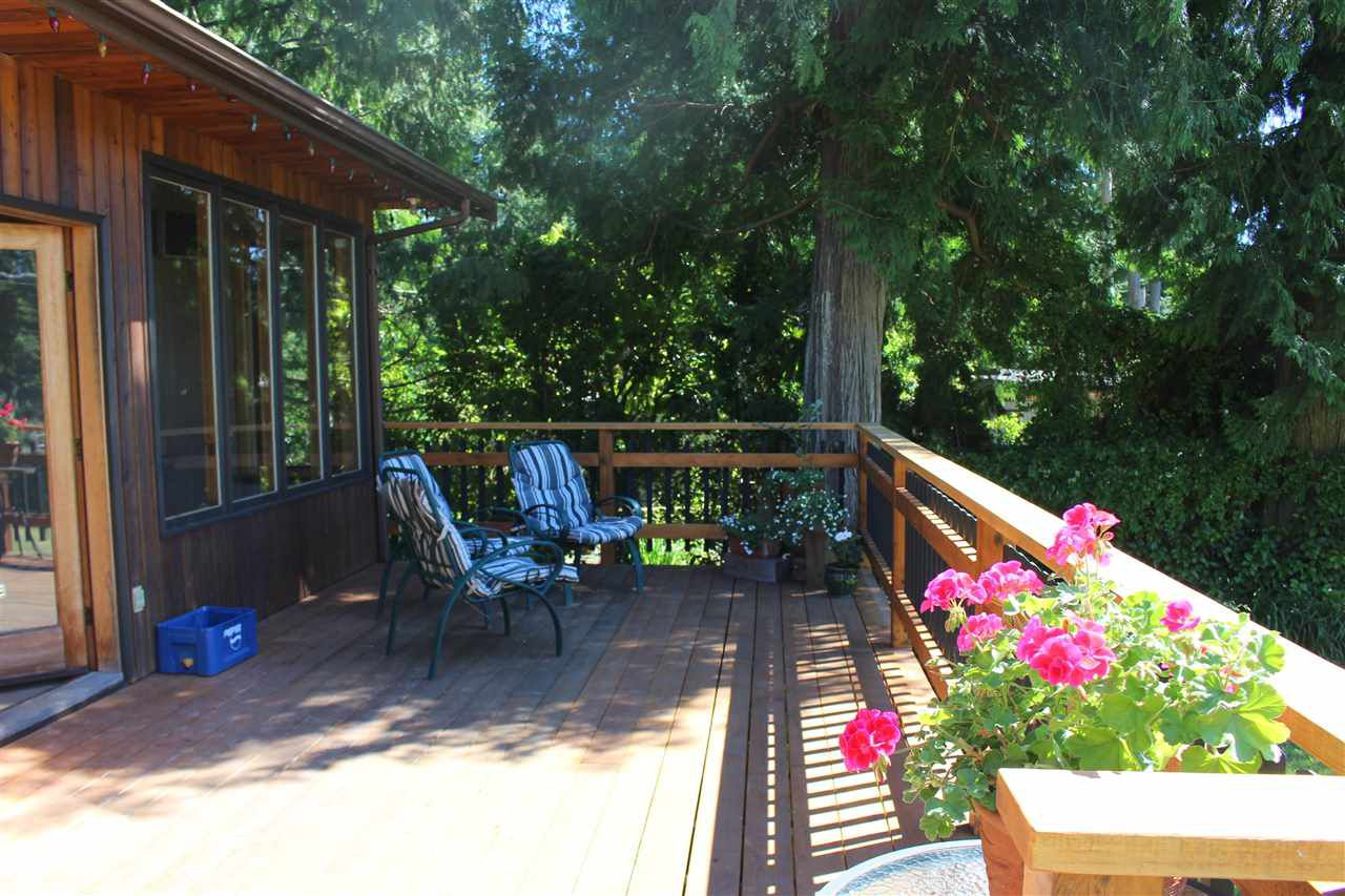 "Photo 13: Photos: 8175 WESTWOOD Road in Halfmoon Bay: Halfmn Bay Secret Cv Redroofs House for sale in ""WELCOME WOODS"" (Sunshine Coast)  : MLS®# R2180391"
