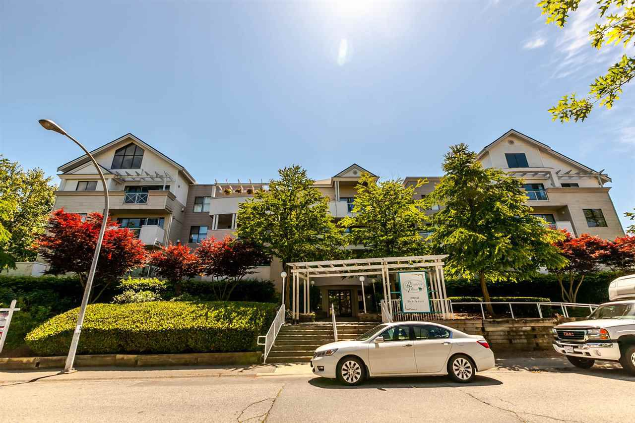"Main Photo: 402 20268 54 Avenue in Langley: Langley City Condo for sale in ""BRIGHTON PLACE"" : MLS®# R2184613"