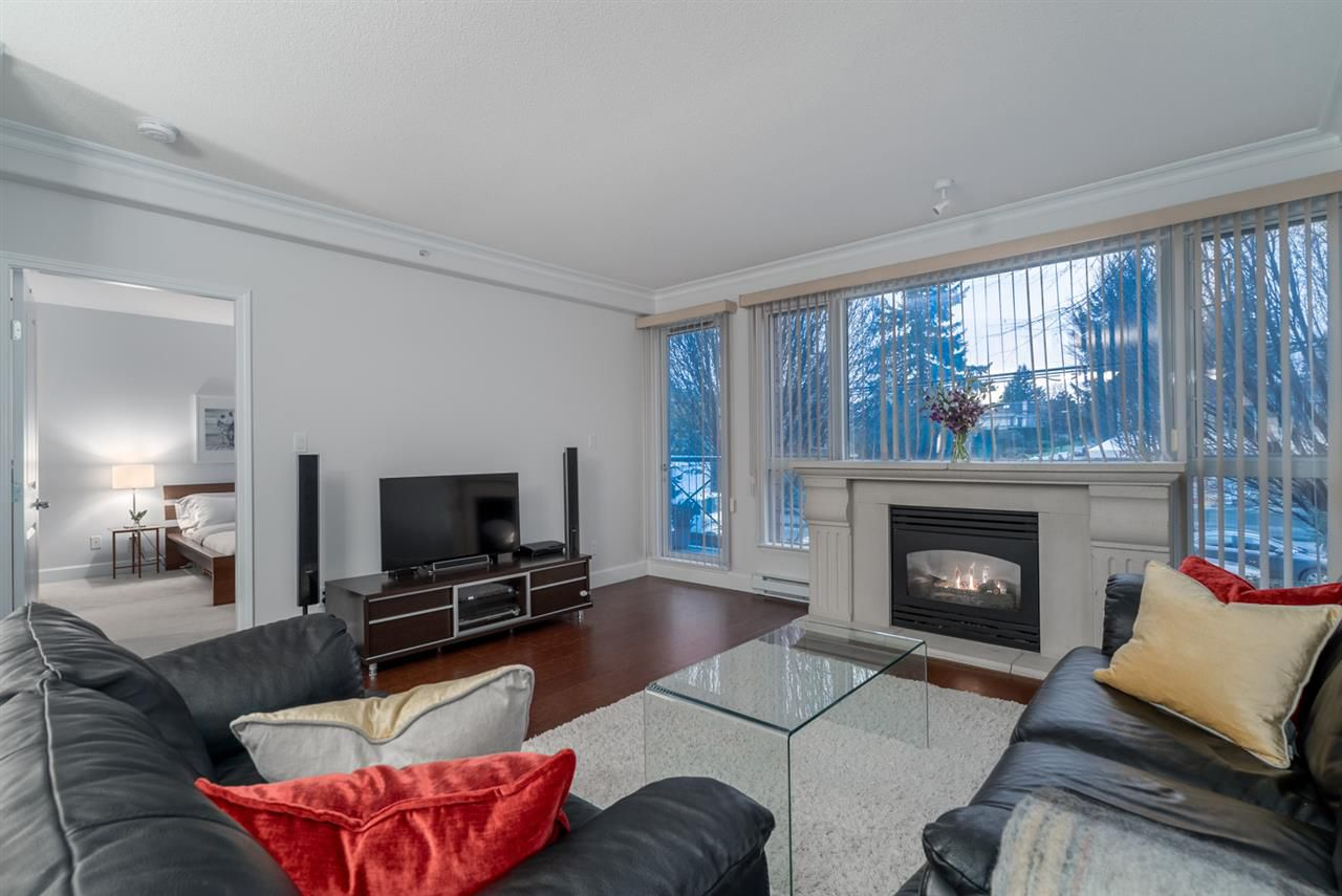 """Main Photo: 204 5770 OAK Street in Vancouver: Oakridge VW Condo for sale in """"THE CROWNE"""" (Vancouver West)  : MLS®# R2225640"""