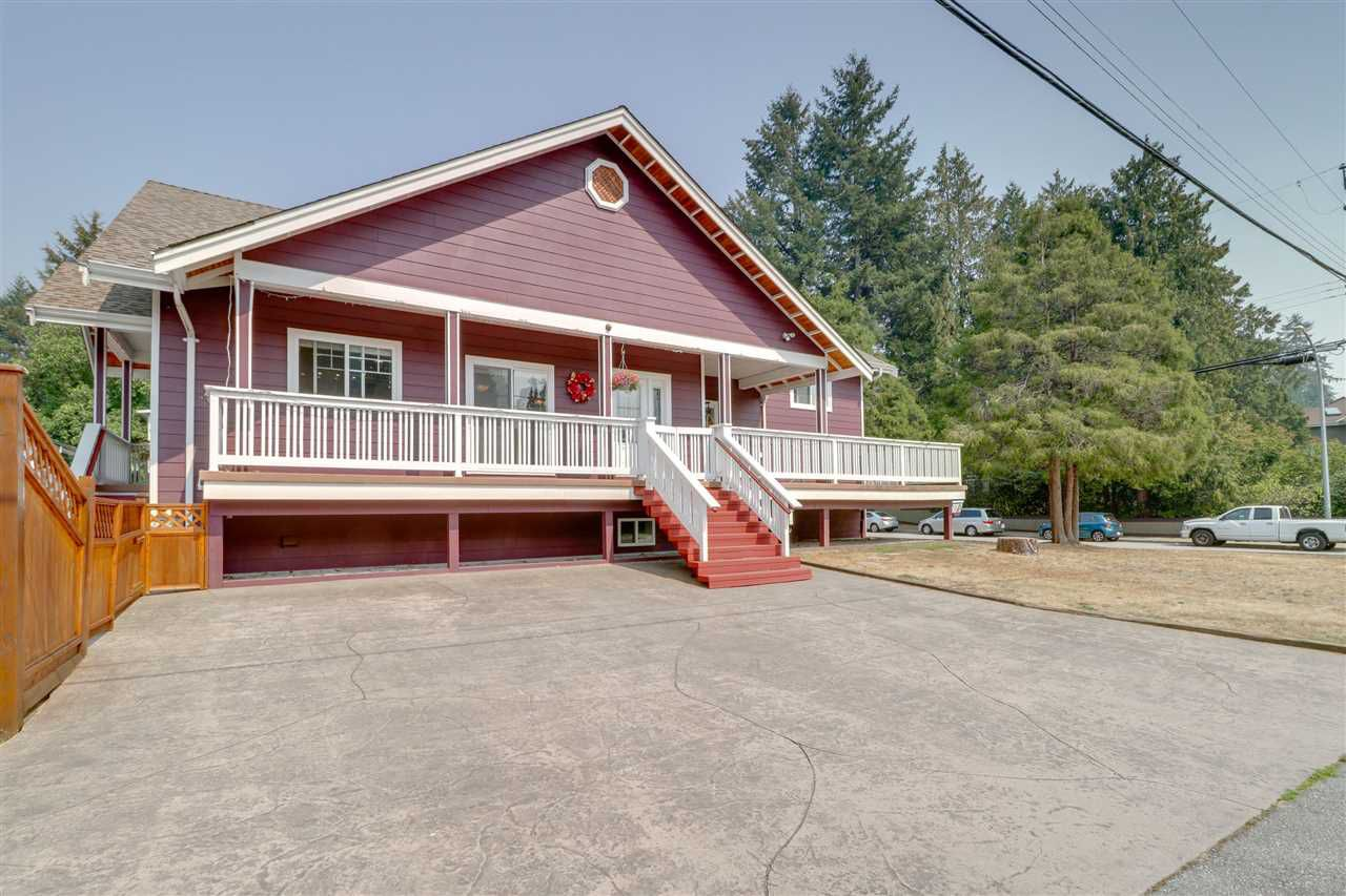 Main Photo: 3215 RALEIGH Street in Port Coquitlam: Central Pt Coquitlam House for sale : MLS®# R2345797