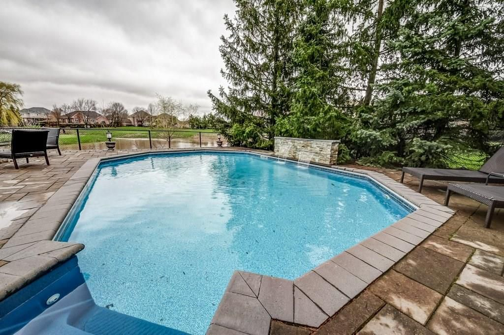 Photo 32: Photos: 2093 COUNTRY CLUB Drive in Burlington: Residential for sale : MLS®# H4051676