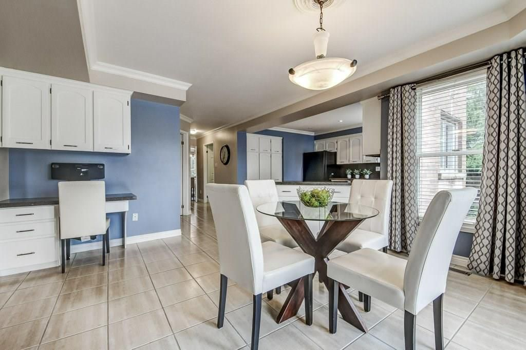 Photo 15: Photos: 2093 COUNTRY CLUB Drive in Burlington: Residential for sale : MLS®# H4051676