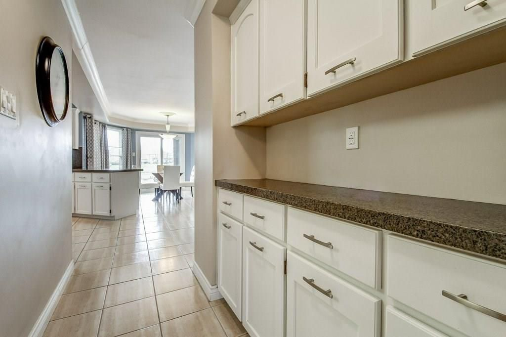 Photo 11: Photos: 2093 COUNTRY CLUB Drive in Burlington: Residential for sale : MLS®# H4051676