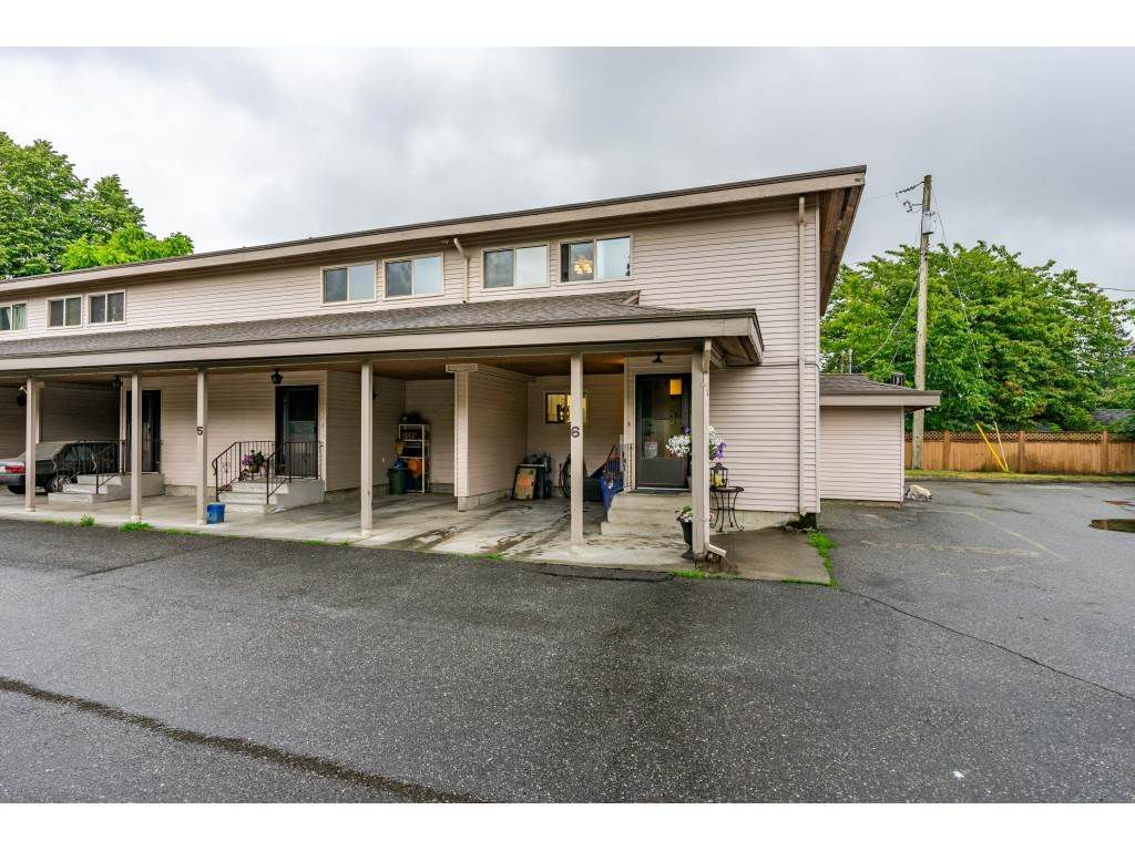 """Main Photo: 6 33918 MAYFAIR Avenue in Abbotsford: Central Abbotsford Townhouse for sale in """"Clover Place"""" : MLS®# R2385034"""
