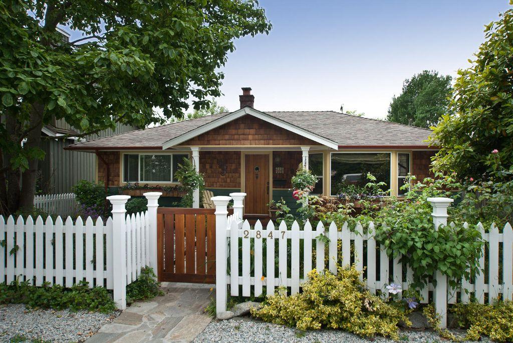 Main Photo: 2847 GORDON Avenue in Surrey: Crescent Bch Ocean Pk. House for sale (South Surrey White Rock)  : MLS®# F1116073
