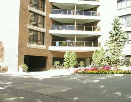 Main Photo: 202-255 Wellington Cres in : MB REA for sale : MLS®# 2513050