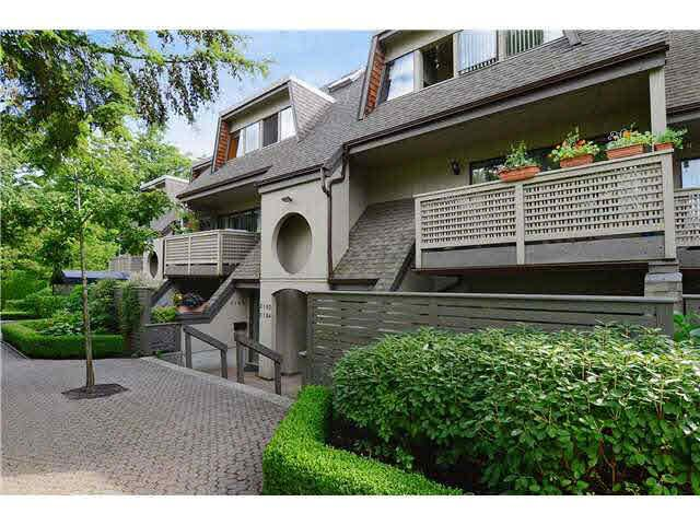 Main Photo: 3176 MOUNTAIN HIGHWAY in : Lynn Valley Townhouse for sale : MLS®# V970809