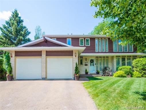 Main Photo: 323 Wathaman Place in Saskatoon: Lawson Heights Single Family Dwelling for sale (Saskatoon Area 03)  : MLS®# 577345