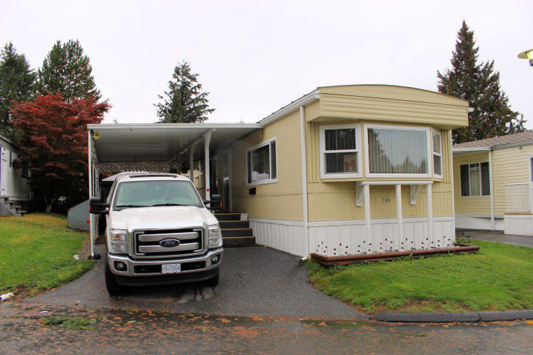 """Main Photo: 185 7790 KING GEORGE Boulevard in Surrey: East Newton Manufactured Home for sale in """"CRISPEN BAYS"""" : MLS®# R2117071"""