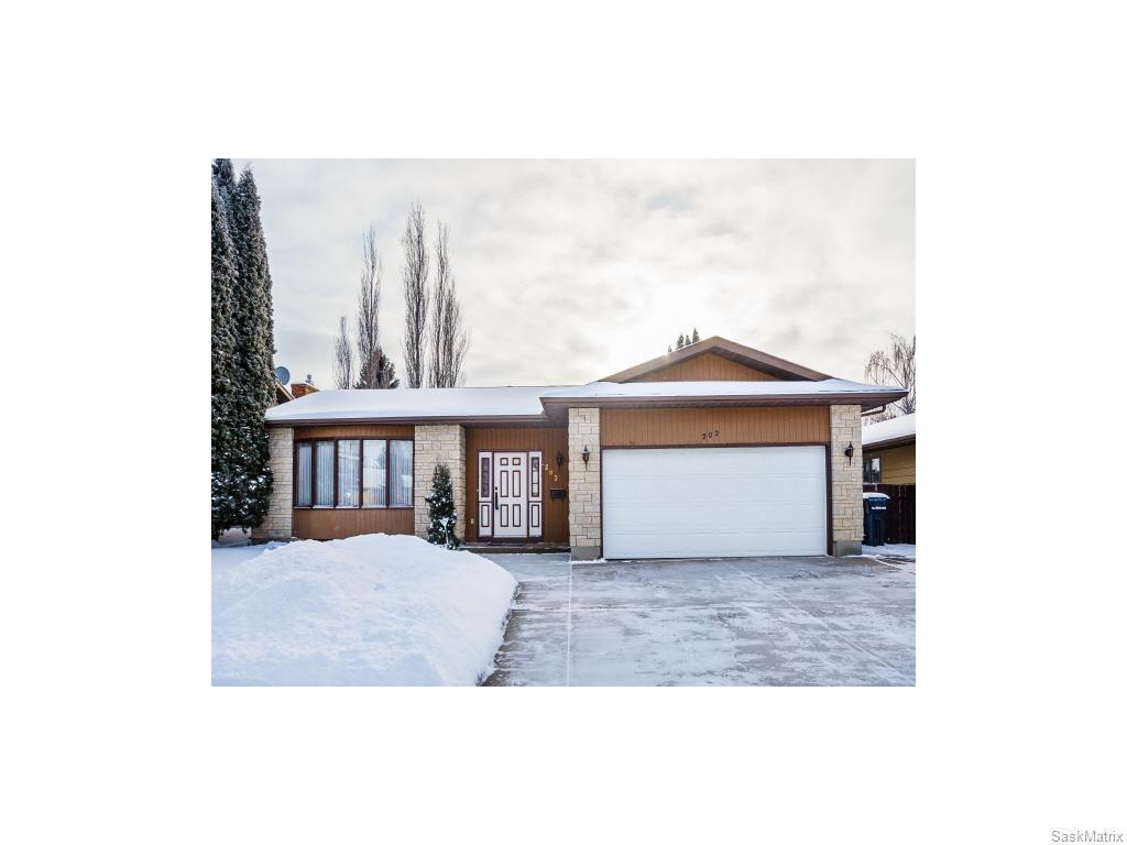 Main Photo: 202 Coldspring Crescent in Saskatoon: Lakeview Single Family Dwelling for sale (Saskatoon Area 01)  : MLS®# 598356