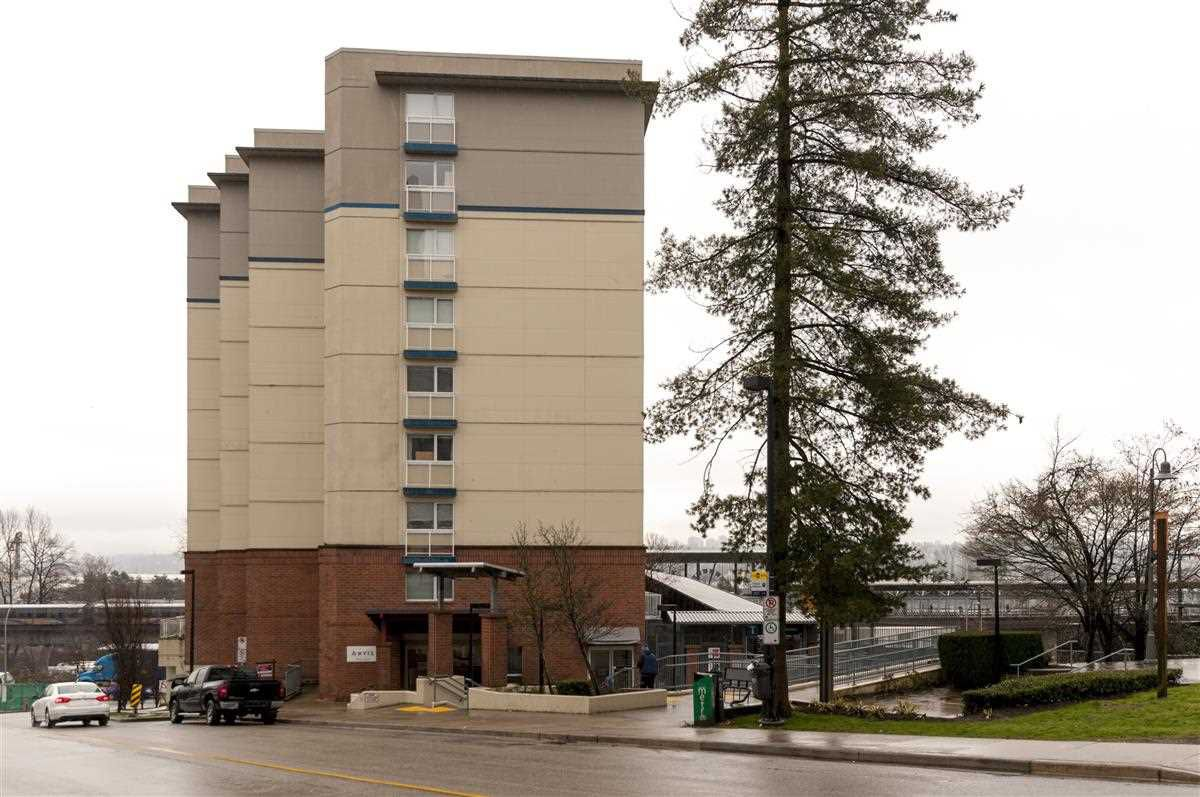 Main Photo: 702 200 KEARY Street in New Westminster: Sapperton Condo for sale : MLS®# R2237014