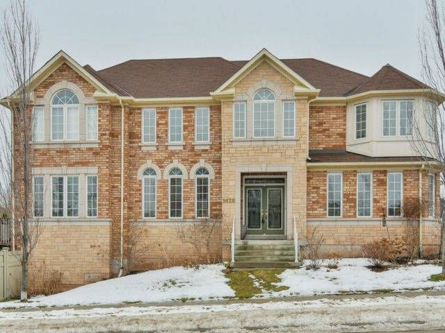 Main Photo: 1426 Pinery Cres in Oakville: Iroquois Ridge North Freehold for sale : MLS®# W4044662