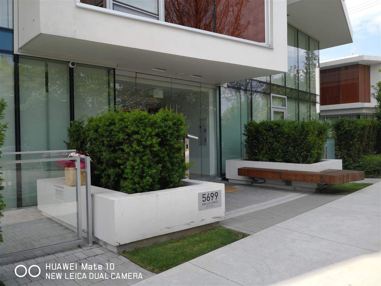Main Photo: 308 5699 BAILLIE Street in Vancouver: Cambie Condo for sale (Vancouver West)  : MLS®# R2277624