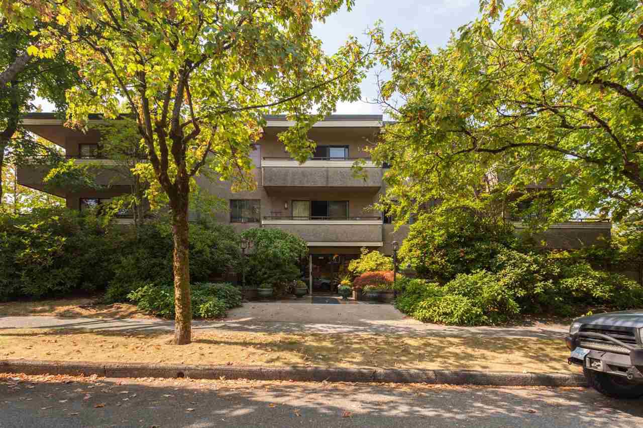 Main Photo: 303 2935 SPRUCE Street in Vancouver: Fairview VW Condo for sale (Vancouver West)  : MLS®# R2299068