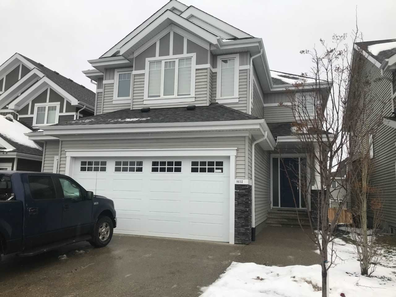 Main Photo: 9032 24 ave SW in Edmonton: Zone 53 House for sale : MLS®# E4137258