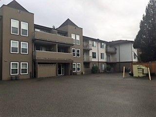 "Main Photo: 105 45702 WATSON Road in Sardis: Vedder S Watson-Promontory Condo for sale in ""Glendale Manor"" : MLS®# R2356738"