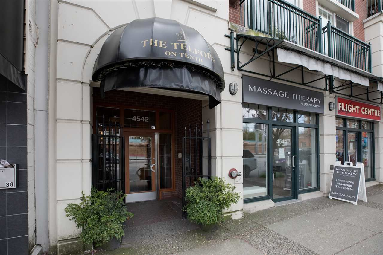 """Main Photo: 303 4542 W 10TH Avenue in Vancouver: Point Grey Condo for sale in """"Telford on Tenth"""" (Vancouver West)  : MLS®# R2365894"""