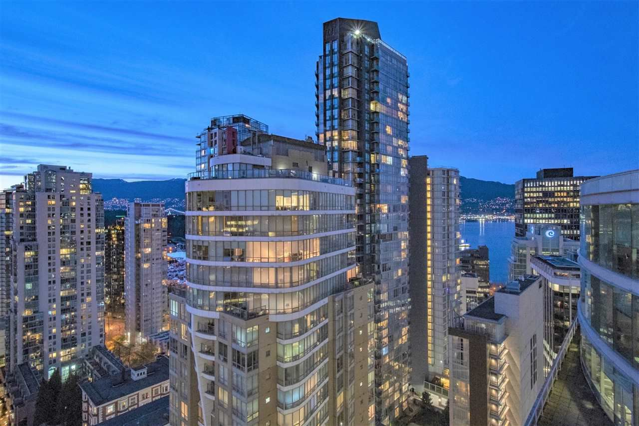 """Main Photo: 2507 1151 W GEORGIA Street in Vancouver: Coal Harbour Condo for sale in """"Trump Tower"""" (Vancouver West)  : MLS®# R2374290"""