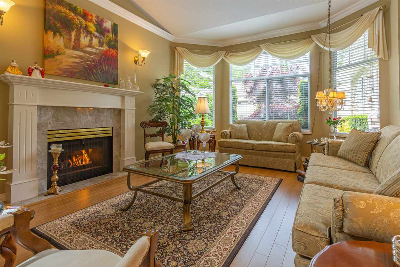 """Main Photo: 2 2533 152 Street in Surrey: Sunnyside Park Surrey Townhouse for sale in """"Bishops Green"""" (South Surrey White Rock)  : MLS®# R2375809"""