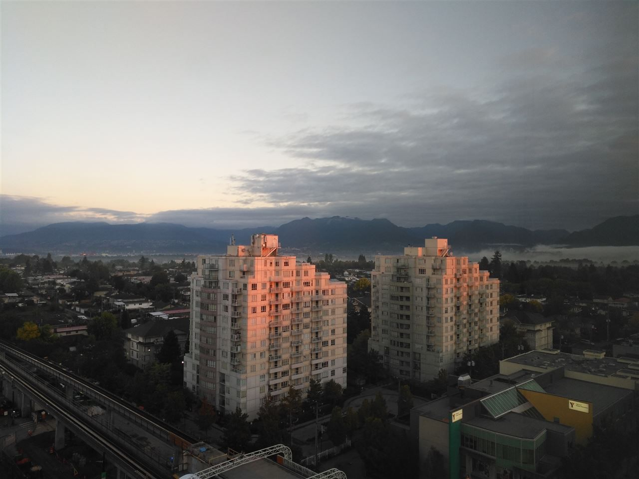 """Main Photo: 1605 3438 VANNESS Avenue in Vancouver: Collingwood VE Condo for sale in """"CENTRO"""" (Vancouver East)  : MLS®# R2385254"""