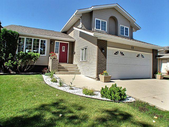 Main Photo: 22 Riverstone Road in Winnipeg: Residential for sale (North West Winnipeg)  : MLS®# 1218127