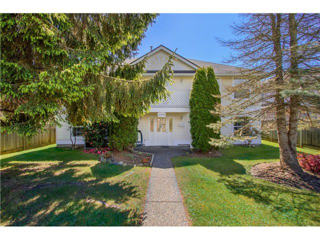 Main Photo: 12242 64TH Avenue in Surrey: Panorama Ridge House for sale : MLS®# F1439943