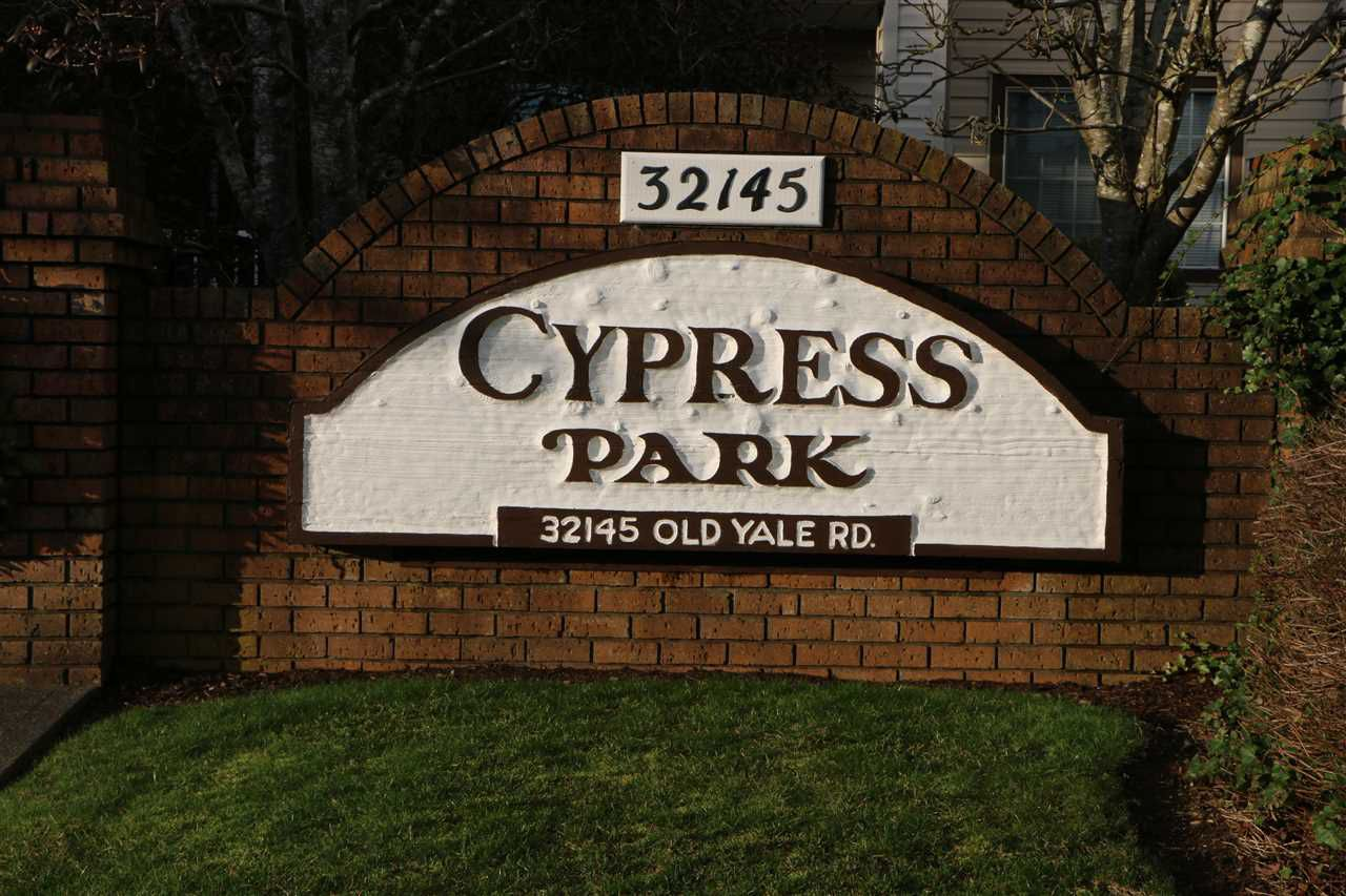 """Main Photo: 208 32145 OLD YALE Road in Abbotsford: Abbotsford West Condo for sale in """"Cypress Park"""" : MLS®# R2074179"""