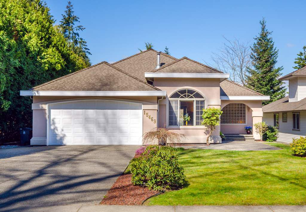 """Main Photo: 15469 27 Avenue in Surrey: King George Corridor House for sale in """"Sunnyside Park"""" (South Surrey White Rock)  : MLS®# R2152558"""