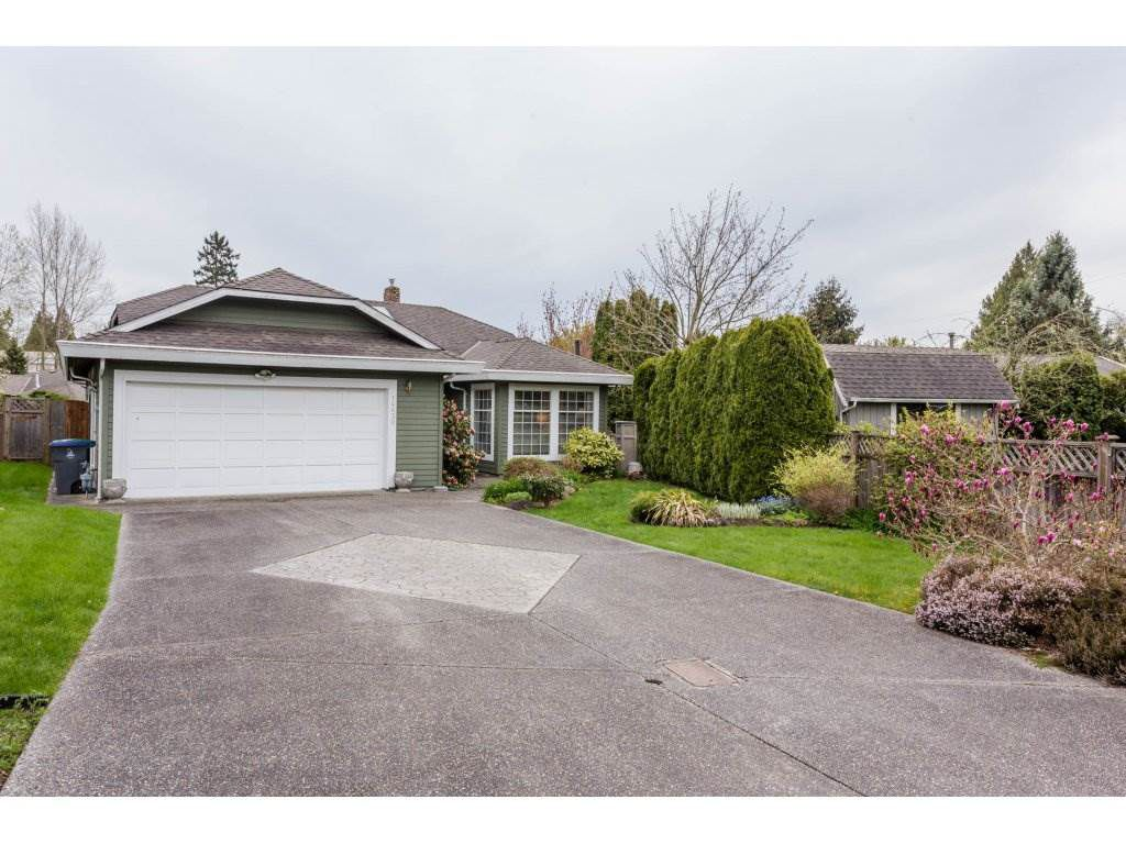 """Main Photo: 14630 18TH Avenue in Surrey: Sunnyside Park Surrey House for sale in """"The Glens"""" (South Surrey White Rock)  : MLS®# R2156092"""