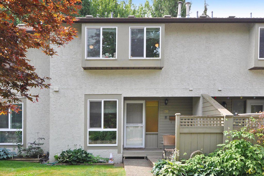 Main Photo: 26 3190 TAHSIS Avenue in Coquitlam: New Horizons Townhouse for sale : MLS®# R2187179