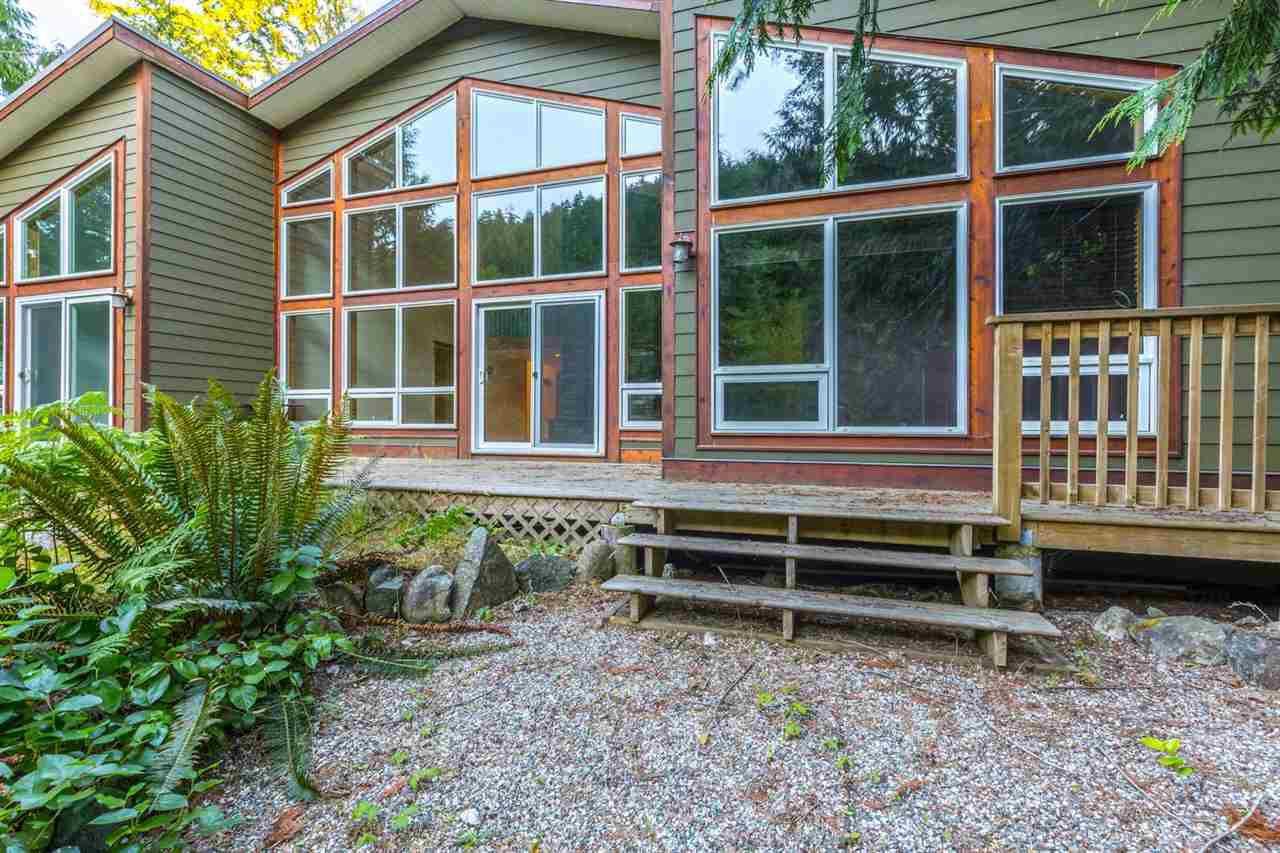 Main Photo: 14 13651 CAMP BURLEY ROAD in Pender Harbour: Pender Harbour Egmont House for sale (Sunshine Coast)  : MLS®# R2188463